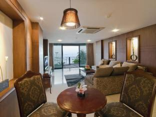 Baywalk Residence Pattaya - Royal Suite Jacuzzi Sea View - Living Room
