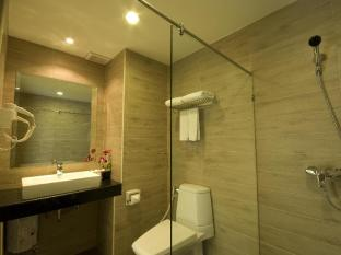 Baywalk Residence Pattaya - Studio Nouveau Bathtub