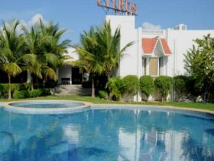 Citrus Sriperumbudur Hotel Chennai - Swimming Pool