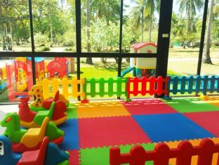 Rayaburi Resort Phuket - Kinderclub