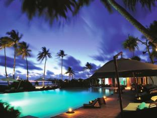Constance Halaveli Maldives Islands - Swimming Pool at Night