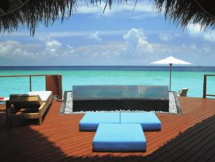 Constance Halaveli Maldives Islands - Water Villa - Terrace