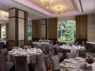 Marriott Hotel Manila Manila - Garden Room can be subdivided into three smaller meeting rooms provides a lush backdrop and natural lighting.