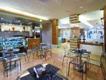 TIME Ruby Hotel Apartments: coffee shop/cafe
