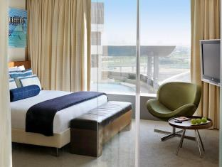 Media One Hotel Dubai - Hip Room