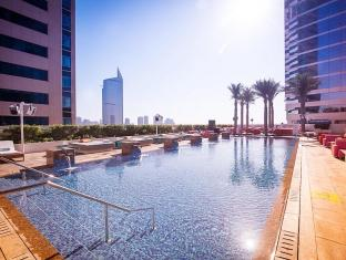 Media One Hotel Dubai - Swimming Pool