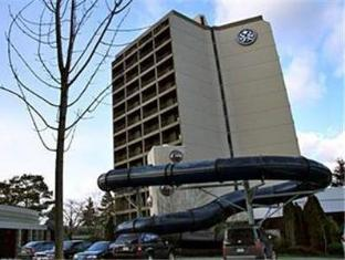 /sandman-signature-vancouver-airport-hotel-resort/hotel/richmond-bc-ca.html?asq=jGXBHFvRg5Z51Emf%2fbXG4w%3d%3d
