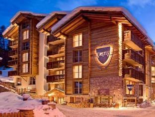 /firefly-luxury-suites/hotel/zermatt-ch.html?asq=5VS4rPxIcpCoBEKGzfKvtEkJKjG1cm0eUOsyikcFukv63I0eCdeJqN2k2qxFWyqs