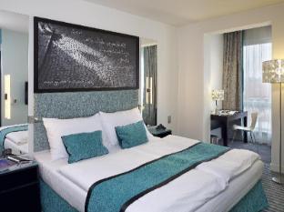 Red & Blue Design Hotel Prague Prague - Guest Room