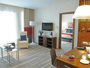 Staybridge Suites Yas Island Hotel Abu Dhabi - One Bedroom Suite