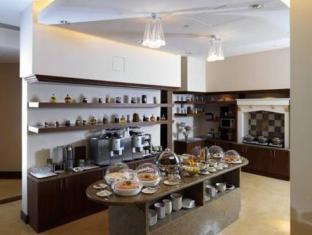 Staybridge Suites Yas Island Hotel Abu Dhabi - Buffet