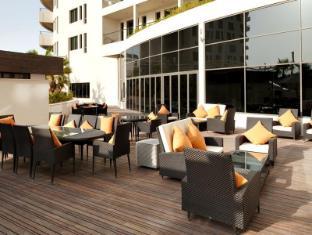 Staybridge Suites Yas Island Hotel Abu Dhabi - Pub/Lounge