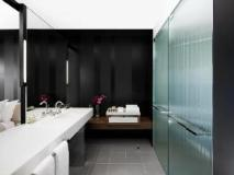 Crown Metropol Hotel: bathroom