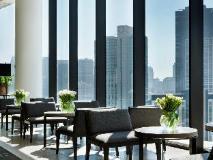 Crown Metropol Hotel: pub/lounge