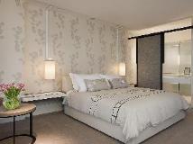 Crown Metropol Hotel: guest room