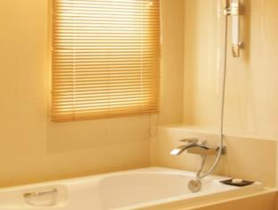 Nova Gold Hotel Pattaya - Bathroom