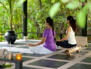 The Sun Siyam Iru Fushi Luxury Resort Maldives Islands - Yoga Pavillion