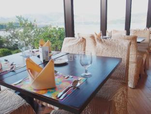 Noah's Ark Resort Hong Kong - With Tsing Ma Bridge & Beach View