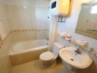 Sports 1 Hotel Hue - Bathroom