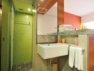 Y Loft Youth Square Hong Kong - Bathroom