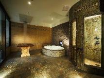 Seasons Motel: bathroom