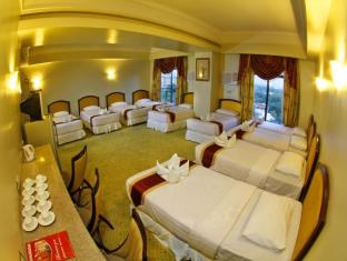 Sarrosa International Hotel and Residential Suites Cebu - Grand Family Suite - 10 Beds