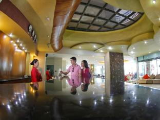 Sarrosa International Hotel and Residential Suites Cebu - Front Office
