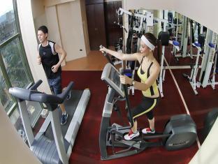 Sarrosa International Hotel and Residential Suites Cebu - Fitness Room