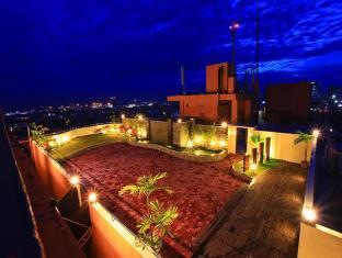 Sarrosa International Hotel and Residential Suites Cebu - Sky Garden