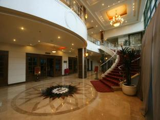 Sarrosa International Hotel and Residential Suites Cebu - Lobby