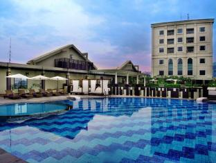 Grand Aston City Hall Hotel & Serviced Residences Medan - Tjjuana Poolside