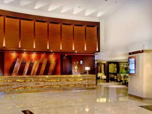 Grand Aston City Hall Hotel & Serviced Residences Medan - Vestibule