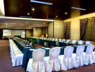 Grand Aston City Hall Hotel & Serviced Residences Medan - Sala de reunions