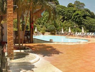Manohra Cozy Resort Phuket - Swimming pool terrace