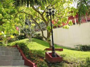 Manohra Cozy Resort Phuket - Garden