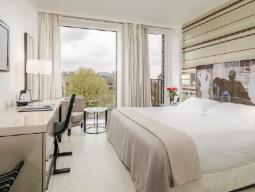 Soba s francosko posteljo za eno osebo