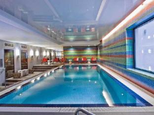 Adina Apartment Hotel Berlin Hauptbahnhof Berlin - Swimmingpool