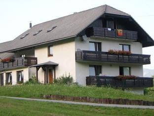 /apartments-rooms-kocijancic/hotel/bled-si.html?asq=jGXBHFvRg5Z51Emf%2fbXG4w%3d%3d