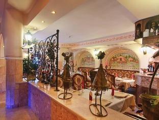 /nl-nl/boutique-hotel-boris-palace-restaurant/hotel/plovdiv-bg.html?asq=5VS4rPxIcpCoBEKGzfKvtE3U12NCtIguGg1udxEzJ7nZRQd6T7MEDwie9Lhtnc0nKViw1AnMu1JpKM9vZxUvIJwRwxc6mmrXcYNM8lsQlbU%3d