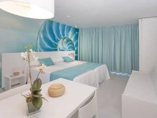 /fi-fi/hotel-apartamentos-marina-playa-adults-only/hotel/ibiza-es.html?asq=vrkGgIUsL%2bbahMd1T3QaFc8vtOD6pz9C2Mlrix6aGww%3d