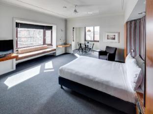 Regents Court Apartments Sydney - Premium Studio