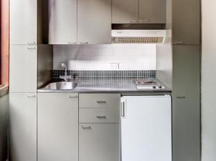 Regents Court Apartments Sydney - Kitchen