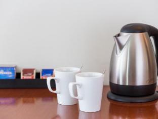 Regents Court Apartments Sydney - Tea and Coffee Facilities