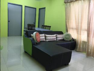 Shaz Apartment