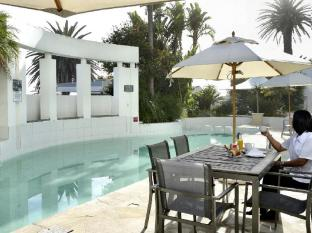 The Peninsula All Suite Hotel Cape Town - Pool