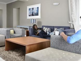 The Peninsula All Suite Hotel Cape Town - Mini Suite (including 200MB per day Free WIFI)