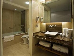 Howard Johnson Hotel Boutique Recoleta Buenos Aires - Bathroom