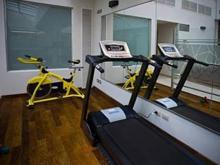 Howard Johnson Hotel Boutique Recoleta Buenos Aires - Fitness Room