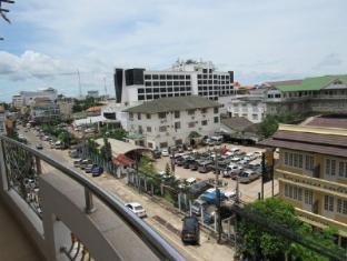 Usouk Hotel and Spa Vientiane - Uitzicht