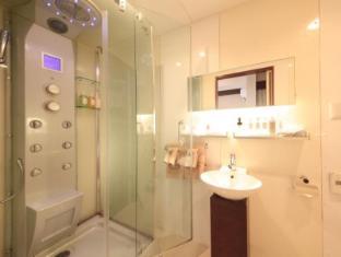 Centurion Hotel Residential Akasaka Tokyo - Bathroom